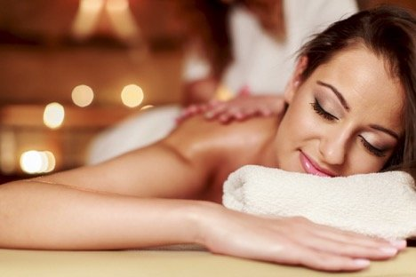 Unwind Near The Danforth At Oasis Day Spa